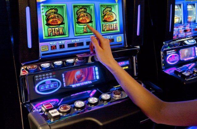 Заработок с помощью игровых автоматов Вулкан Платинум онлайн